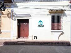 en venta casa en mompox, para restaurar, excelente ubicación.